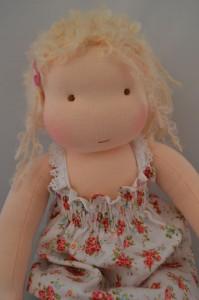 poppelien doll